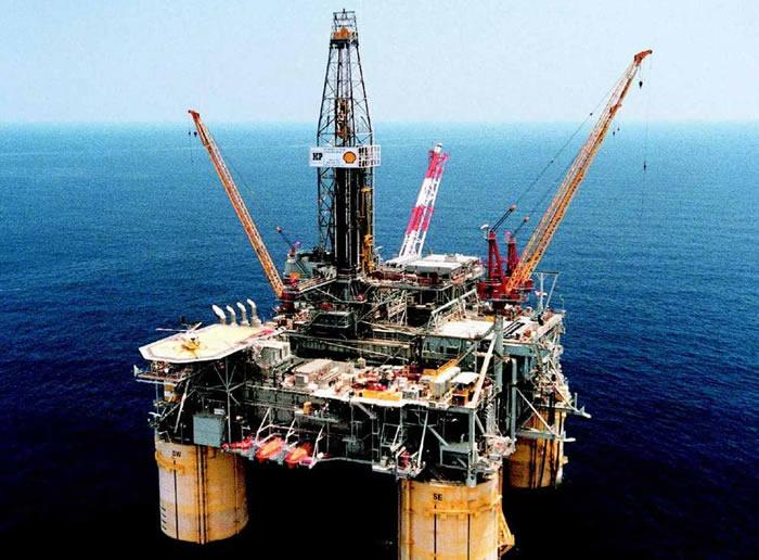 Oil majors gushing in cash despite cheap crude