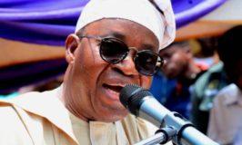 189 Osun retirees share N1.13b as Oyetola presents bond certificates