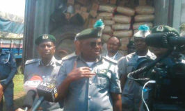Customs arrest 100 illegal migrants, impound rice